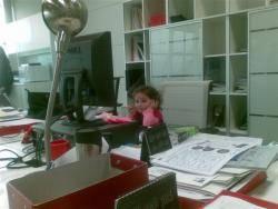 aiala en la oficina