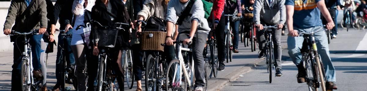 Caminar y andar en bici. Bueno, bonito y barato