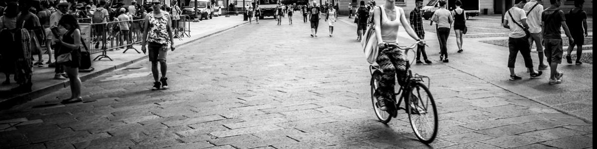 Milán estudia pagar por ir al trabajo en bici