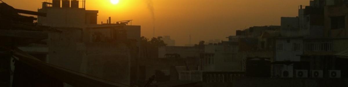 Nueva Delhi: Paneles solares en las azoteas